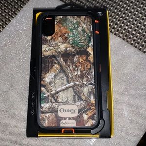 iPhone XS Max otter box defender case